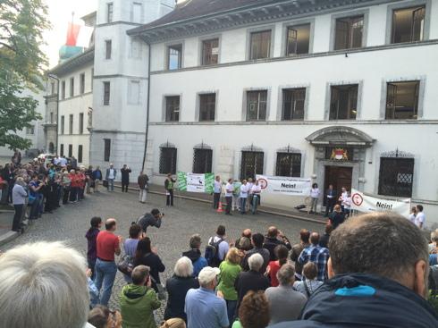 Demo vor dem Rathaus